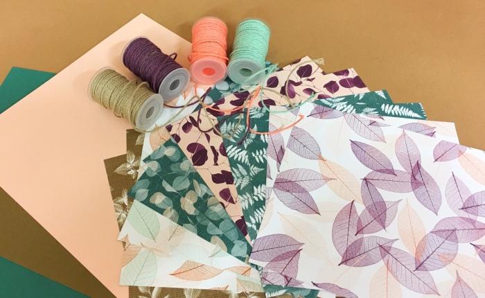 Papier- und Bänderpakete